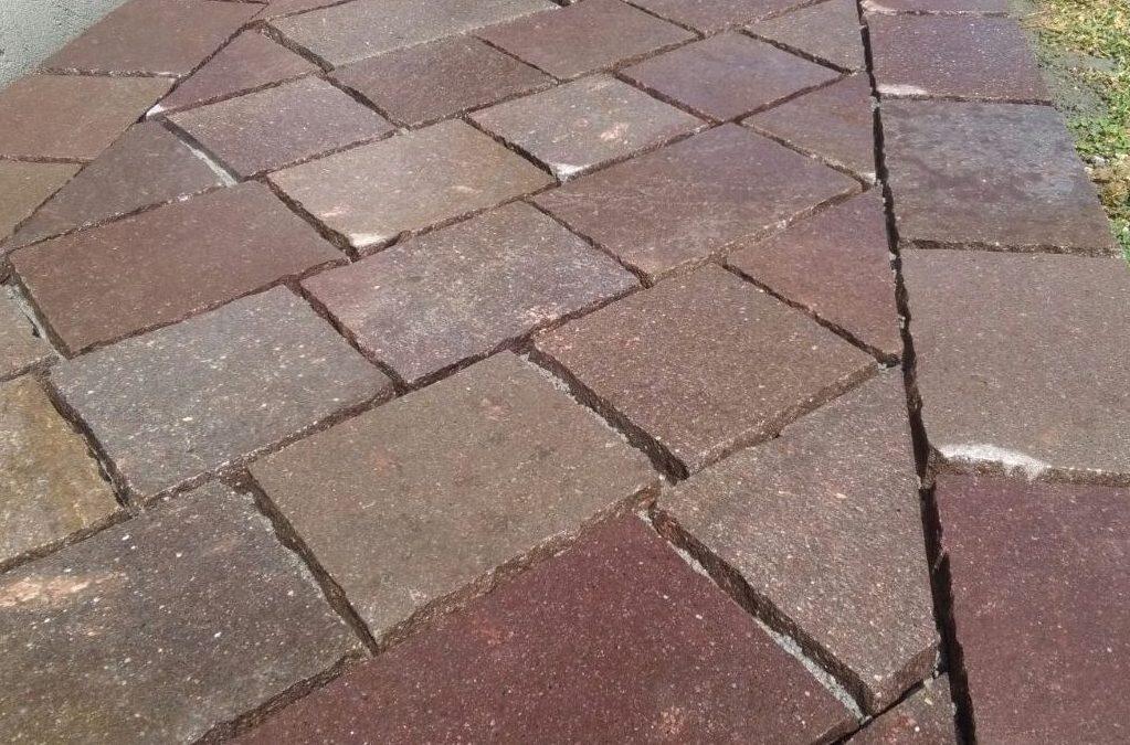 Pavimento in porfido rosso trentino lati tranciati